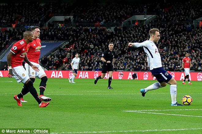 MU bị Tottenham chọc thủng lưới giây 11, nỗi oan khó nói 2