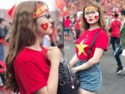 Bạn trẻ - Cuộc sống - Đi xem U23 Việt Nam đá, cô gái trẻ bất ngờ nổi tiếng vì quá xinh