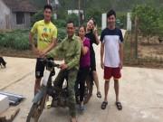 Bóng đá - Thủ môn U23 Việt Nam: Bỏ xe sang đi xe máy cà tàng về quê nghèo