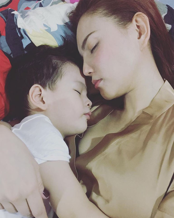 """Sau đổ vỡ hôn nhân, Thu Thủy nghẹn lời khi con trai hỏi: """"Mẹ ơi ba đâu rồi?"""""""
