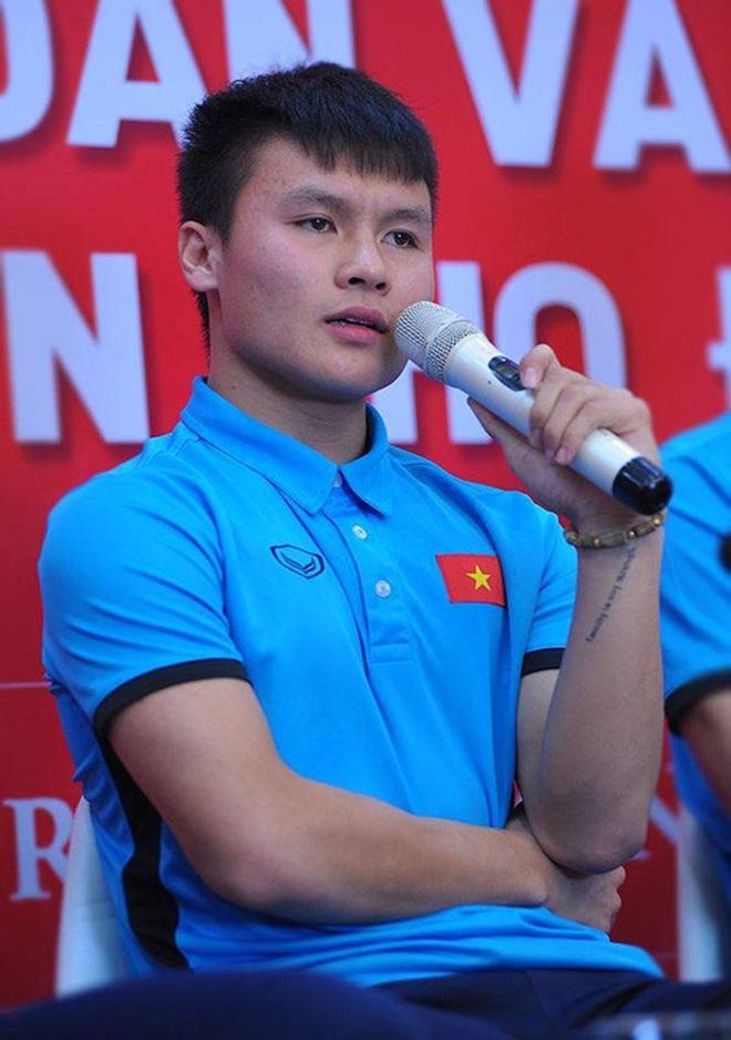 Ý nghĩa hình xăm trên cổ tay Quang Hải U23 Việt Nam - 2