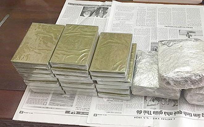 2 kẻ buôn ma túy rút dao chống trả cảnh sát quyết liệt