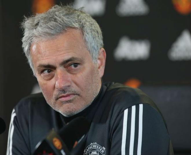 Họp báo MU - Huddersfield: Mourinho đầu hàng Man City, đón tin vui từ Bailly 1