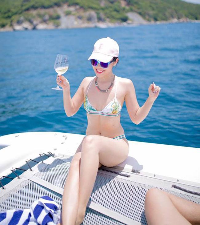 Em gái Hà Anh hay Mai Phương Thúy mặc bikini nóng bỏng nhất?
