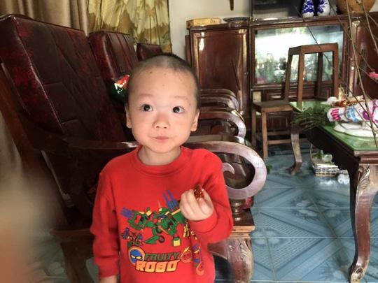 Con trai thiếu uý ung thư nhường sự sống cho con trong vòng tay Bộ trưởng Y tế - 8