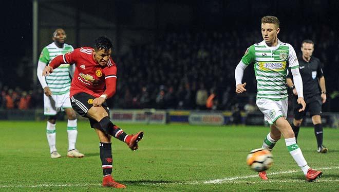 """MU - Huddersfield: Chờ Sanchez khai hỏa, """"Quỷ đỏ"""" quyết báo thù 2"""