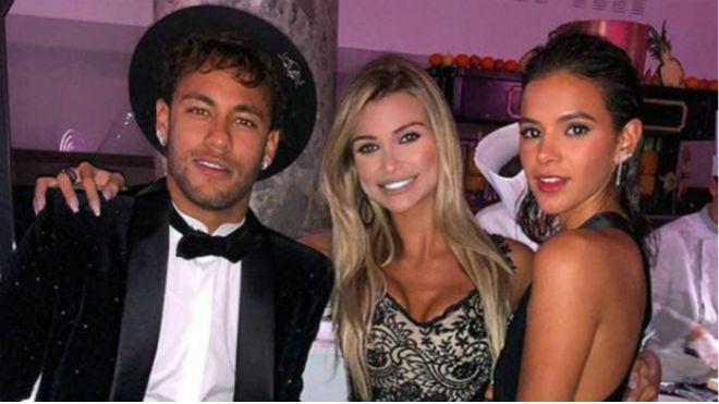 Neymar sinh nhật linh đình: Dàn mỹ nhân, Tổng thống Brazil, Ro béo góp mặt
