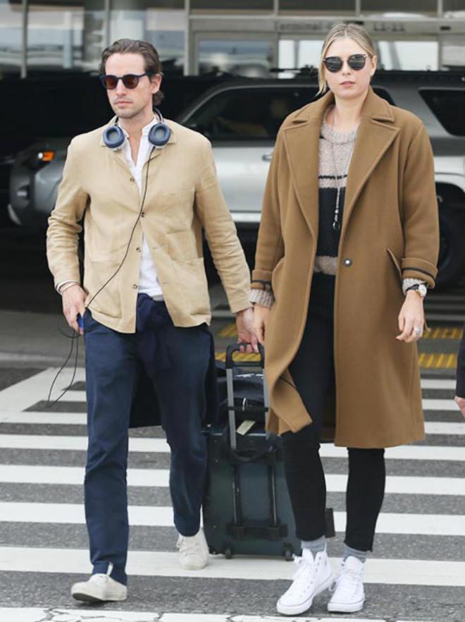 """Tennis 24/7: Quên """"Tiểu Federer"""", Sharapova yêu tình mới từng 1 đời vợ 1"""