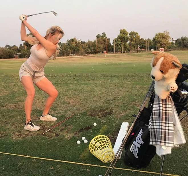Nữ golf thủ đẹp nhất thế giới: Bị đe dọa vì gợi cảm quá mức 2