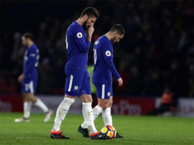 """Trọng tài Ngoại hạng Anh lại gây bão, fan Chelsea coi là """"gã hề"""" 5"""
