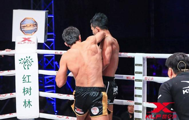 Cú sốc làng võ: Cao thủ Thái Lan 11 lần vô địch thế giới thua đau 29 giây