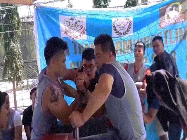 """Chấn động vật tay Việt: """"Quái kiệt"""" Nhật hạ toàn cao thủ, vô địch cả 2 tay 2"""