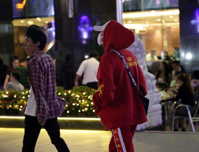 Ảnh: Người Sài Gòn co ro trong tiết trời se lạnh ngày cận Tết - 4