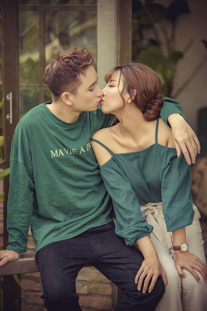 Phan Mạnh Quỳnh và hot girl 9X tính chuyện cưới xin năm 2018 - 2