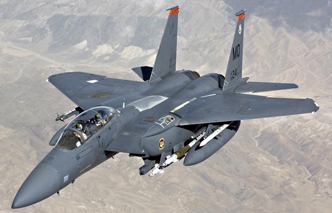 Mỹ không kích dữ dội, 100 quân chính phủ Syria mất mạng - 1