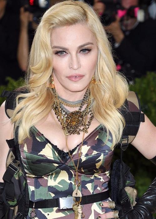 Dụng cụ làm đẹp kỳ quái của nữ hoàng nhạc Pop Madonna - 2