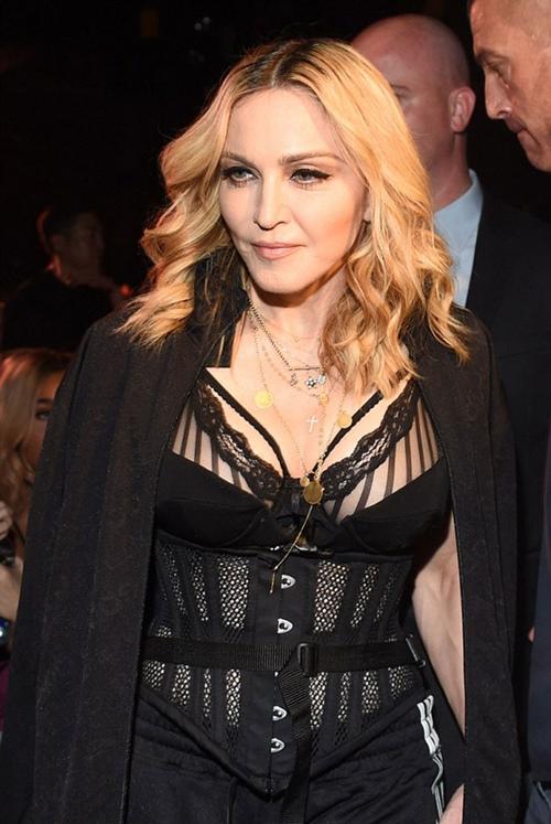 Dụng cụ làm đẹp kỳ quái của nữ hoàng nhạc Pop Madonna - 10