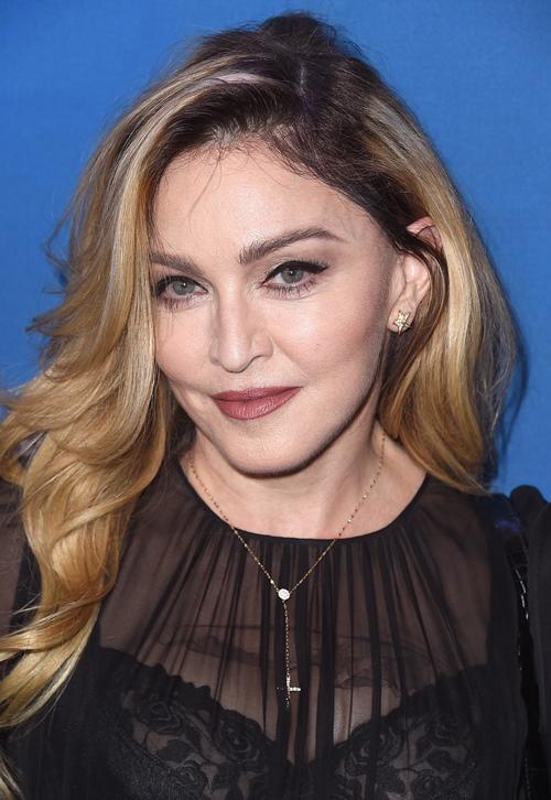 Dụng cụ làm đẹp kỳ quái của nữ hoàng nhạc Pop Madonna - 15