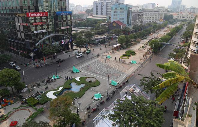 Cận cảnh đường hoa Nguyễn Huệ trước ngày khai mạc