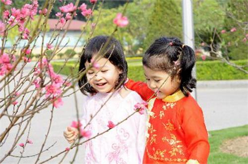 Giúp mẹ chăm sóc trẻ để Tết trọn niềm vui - 1
