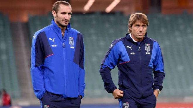 """Tin HOT bóng đá tối 8/2: """"Conte giết chết cầu thủ trên sân tập"""" 1"""