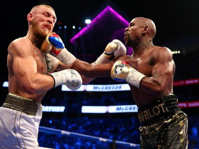 """UFC: Hạ knock-out trời giáng & trao nụ hôn """"thần chết"""" 4"""