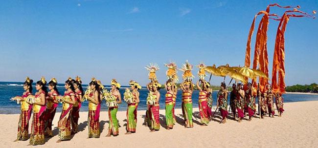 15 lễ hội kỳ lạ hút du khách nhất thế giới - 7
