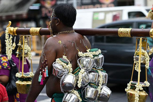 15 lễ hội kỳ lạ hút du khách nhất thế giới - 15