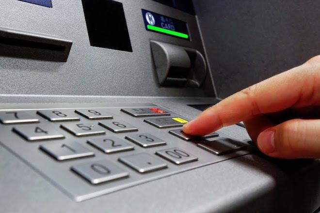 5 điều phải nằm lòng khi rút tiền bằng thẻ ATM để vui Xuân - 1