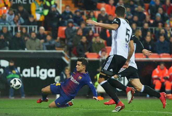 """Bom tấn"" Coutinho ghi bàn ra mắt, Barca thăng hoa đón kỷ lục mới"
