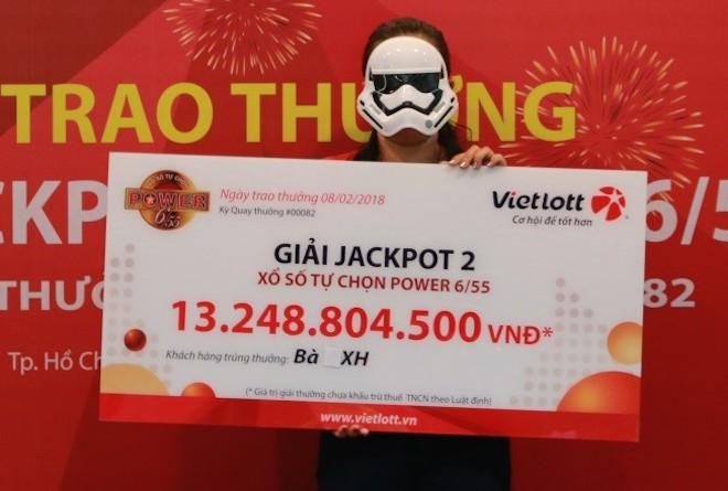 3 người cùng đeo mặt nạ đi nhận hơn chục tỉ của Vietlott về ăn Tết - 2