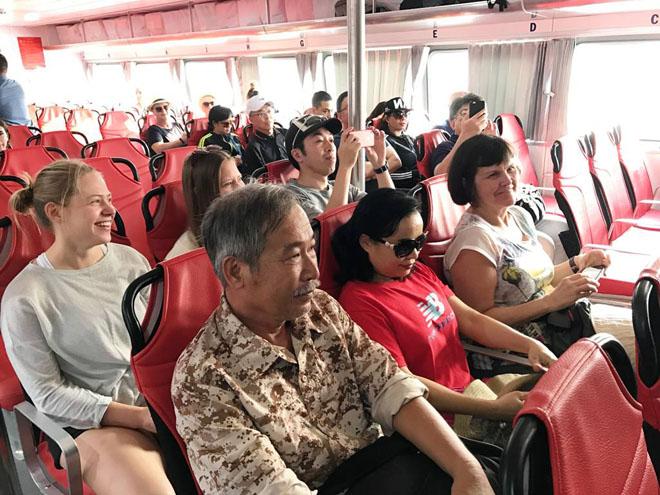 Người Sài Gòn đi chơi Tết, du xuân bằng tàu cao tốc - 2