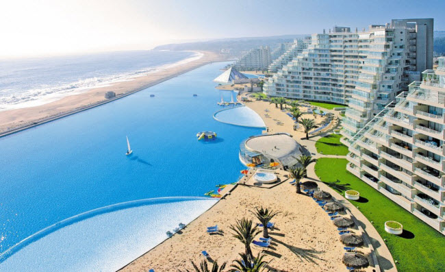Ngoạn mục bể bơi lớn nhất thế giới ở Chile - 4