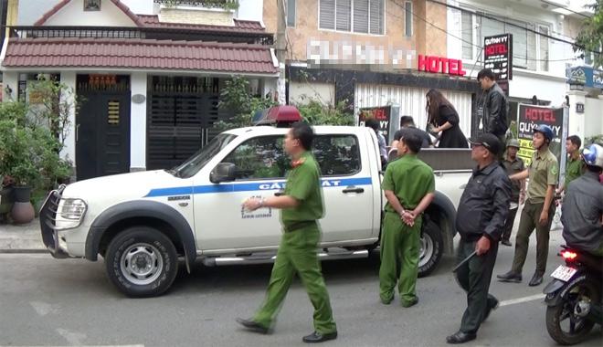 """Nhiều nam nữ """"phê"""" ma túy trong khách sạn ở Sài Gòn ngày 26 Tết"""