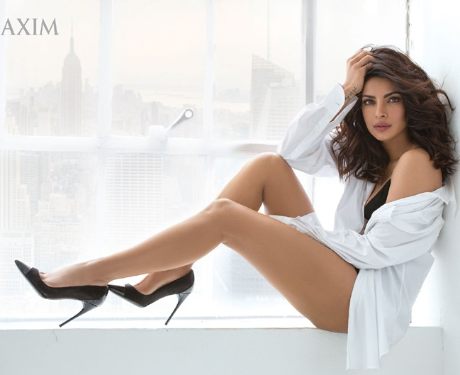 Vẻ đẹp mê hoặc đàn ông của hoa hậu tuổi Tuất sexy nhất Ấn Độ - 4