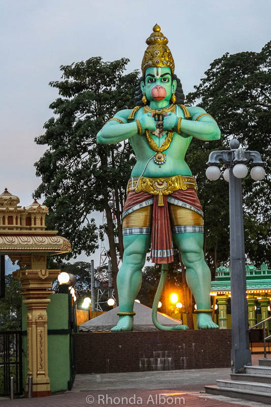 Ngôi đền bí ẩn nằm trong động tại Malaysia - 4