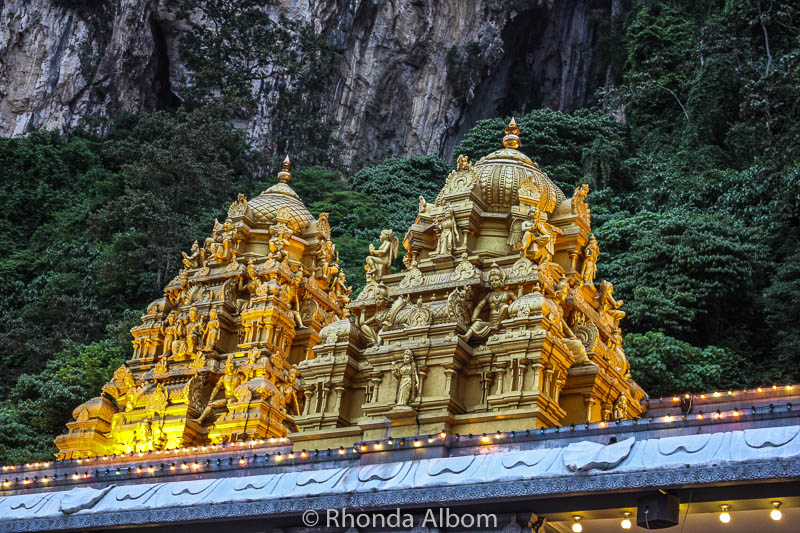 Ngôi đền bí ẩn nằm trong động tại Malaysia - 5