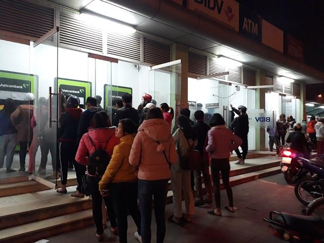 ATM quá tải, cãi lộn vì không rút được tiền tiêu Tết - 8