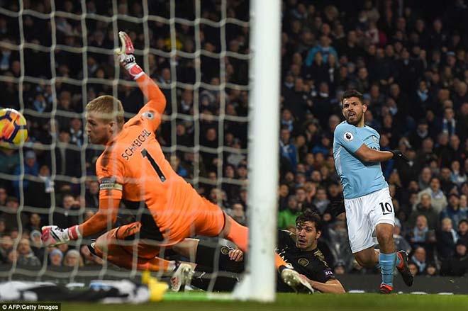 Aguero lập poker, đua Salah & Kane: Mưu đoạt vương miện từ Messi 2