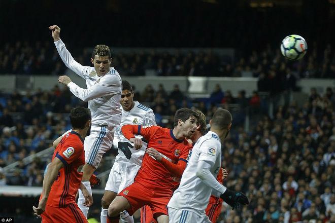 """Hoàng đế Ronaldo: Bùng nổ """"siêu hat-trick"""", La Liga quỳ rạp - 3"""