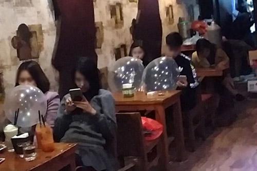 Nhiều quán Karaoke ở Hà Nội hút khách bằng Shisha, bóng cười