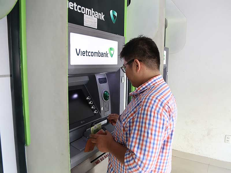 Phát khóc vì ATM 'đứng hình' ngày Tết