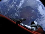 Tin tức ô tô - Tên lửa của Elon Musk đem chiếc Tesla Roadster đầu tiên vào vũ trụ