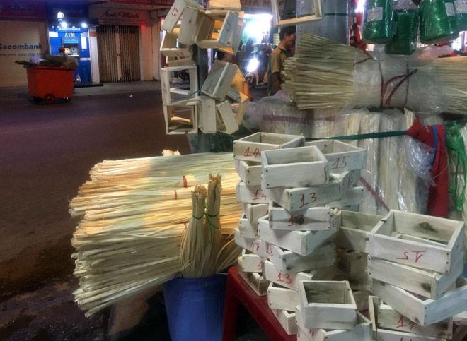 Chợ hoạt động cả ngày lẫn đêm, chỉ có vào dịp Tết ở Sài Gòn - 7