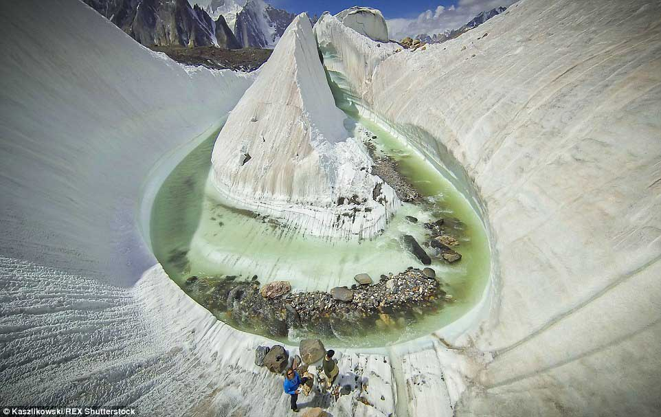 """""""Phát sốt"""" với hồ băng tuyệt đẹp ẩn sâu trong dãy Himalaya - 3"""