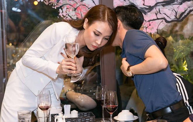 Cường Đô La đưa Đàm Thu Trang về Gia Lai đón Tết