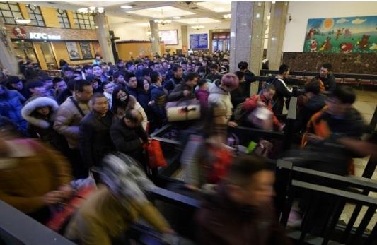 """Hàng triệu người Trung Quốc không """"thèm"""" về quê ăn Tết - 5"""