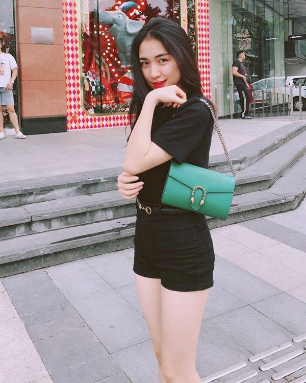 """Hoà Minzy từ thảm hoạ thời trang nay """"lột xác"""" xinh đẹp mỹ miều - 7"""