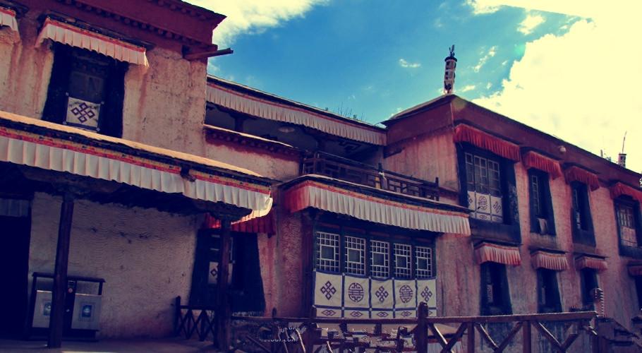 Ngắm biệt thự xa xỉ của quý tộc giàu nhất Tây Tạng - 3