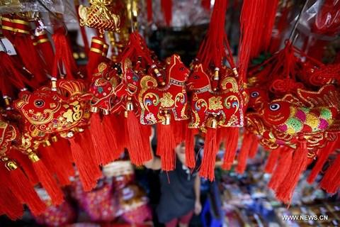 Rực rỡ sắc đỏ Tết Nguyên đán tại làng nghề Trung Quốc